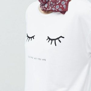 "Mango ""Come as You Are"" Eyelash Graphic Tee"